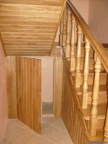 Лестница забежными ступенями своими руками